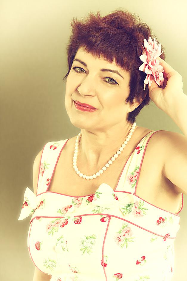 Portrait von Lexi Rumpel - Bassistin bei Wonderfrolleins, Salsa Verde und anderen Bands