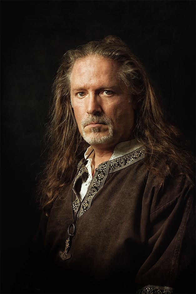 Selbstportrait Markus Gath in mittelalterlicher Gewandung