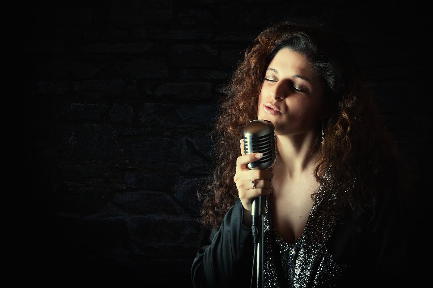 Portrait der Sängerin Daniela Pusceddu