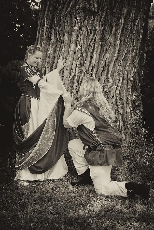 Brautpaar in mittelalterlicher Gewandung