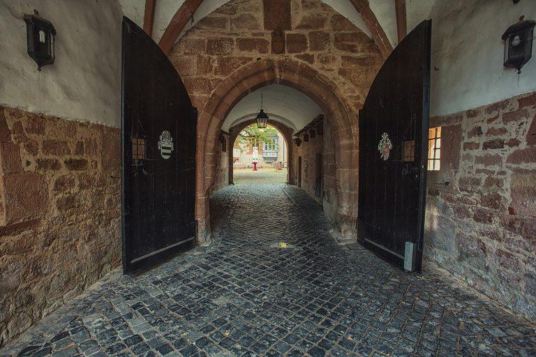 Schloss Buedingen Tor Zum Innenhof