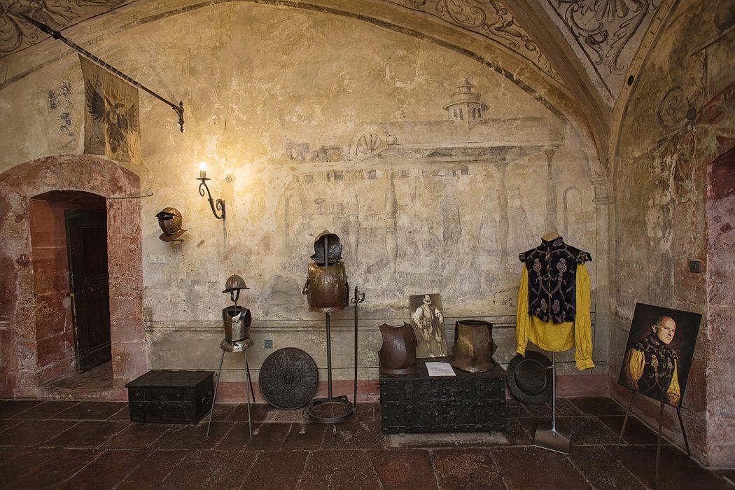 Schloss Buedingen Ausstellungsraum Elisabethanisches Doublet