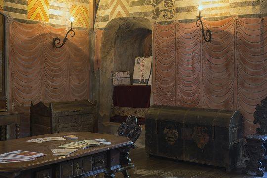 Schloss Buedingen Ausstellungsraum Taenzerin